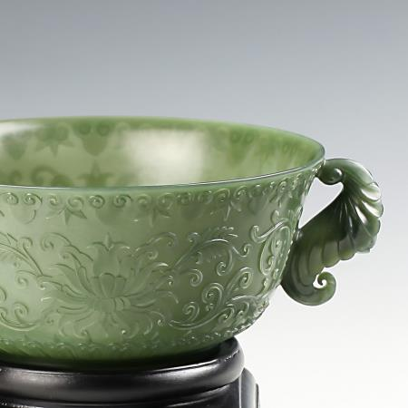 Complex euphemism - in the jade carving twined flower pattern