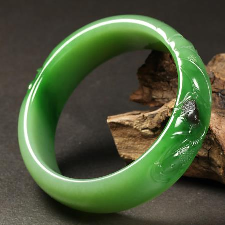 Wide Bangles and Thin Bangles-Jade Bangles with Different Styles