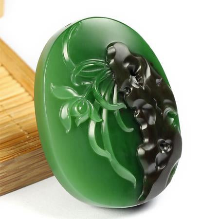 Natural jade nephrite Siberian jade collectibles