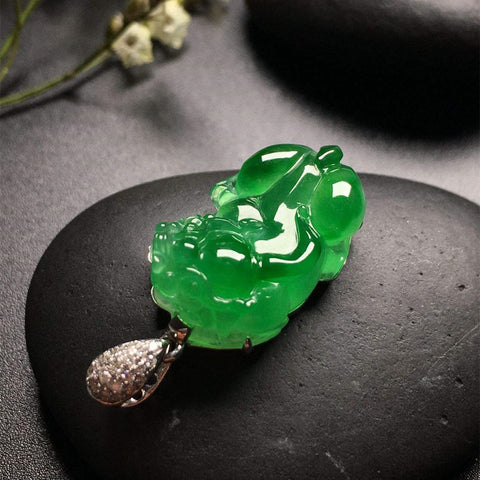 Natural jade carving pendant jadeite collectibles grade A