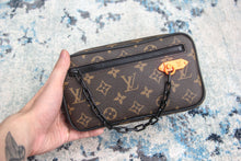 LV POCHETTE VOLGA MONOGRAM BLACK HARDWARE BROWN