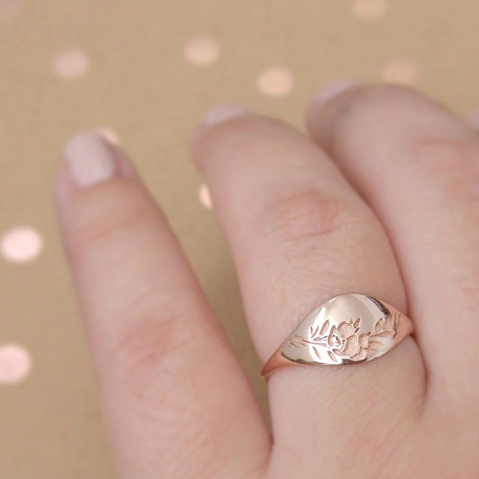 Vintage style wide flower wedding ring – Lily & Dahlia