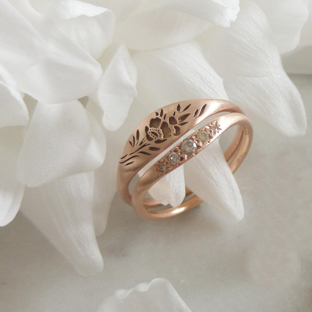Vintage Style Rose Gold Flora Wedding Ring Set: Ivory Roses And Wedding Rings At Reisefeber.org