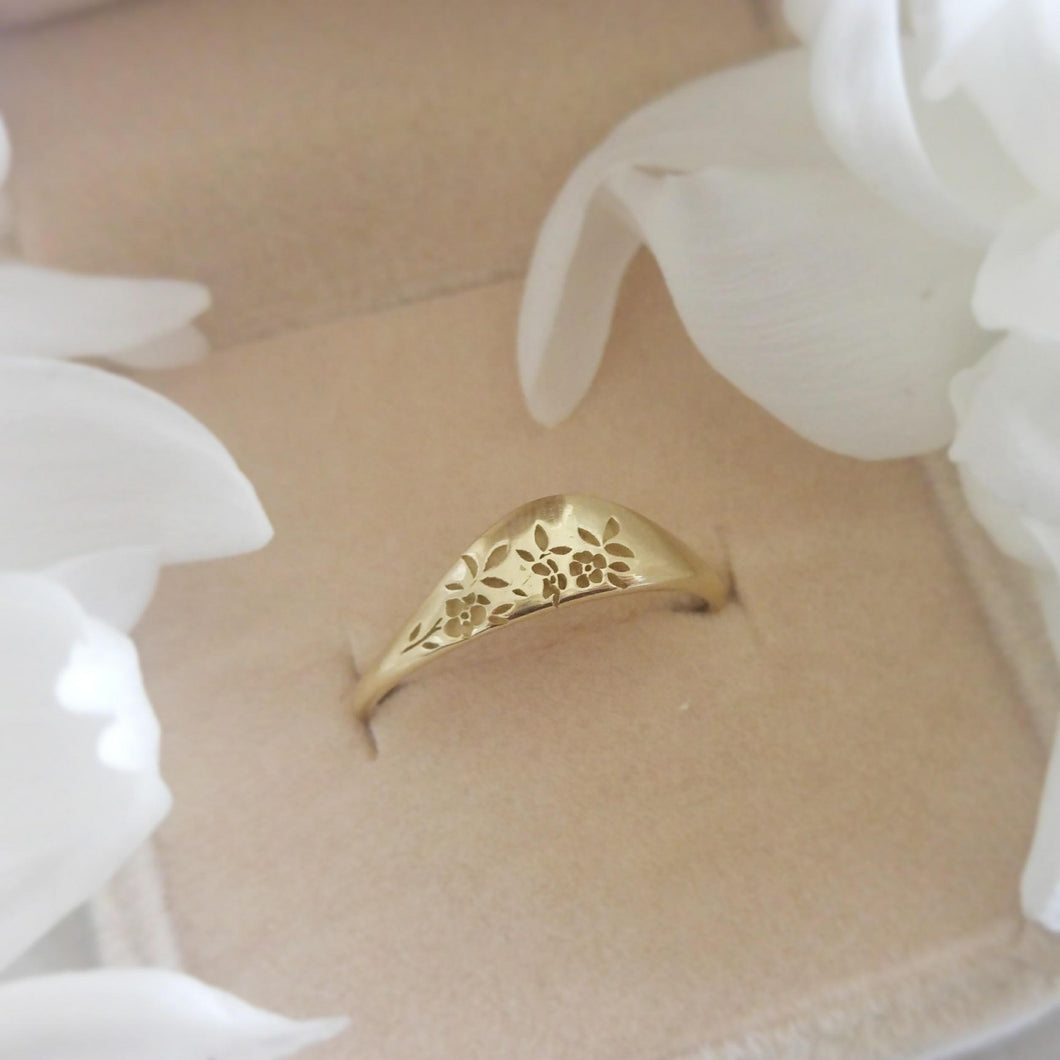 Flora wedding ring