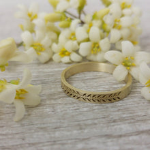 Rustic leaves & Berries wedding ring