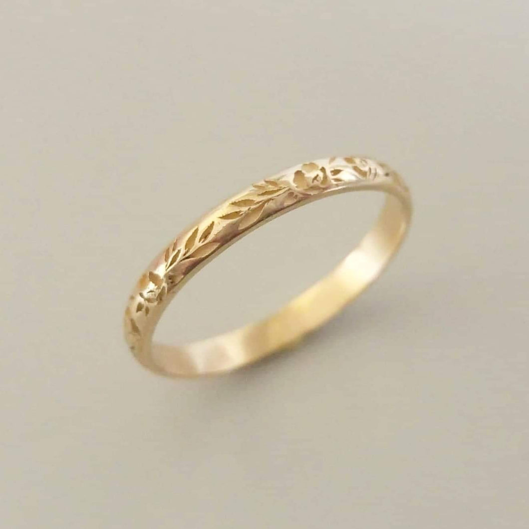 18k Thin floral wedding band, Flower wedding band, vintage style floral ring for women , personalized Valentine's day gift