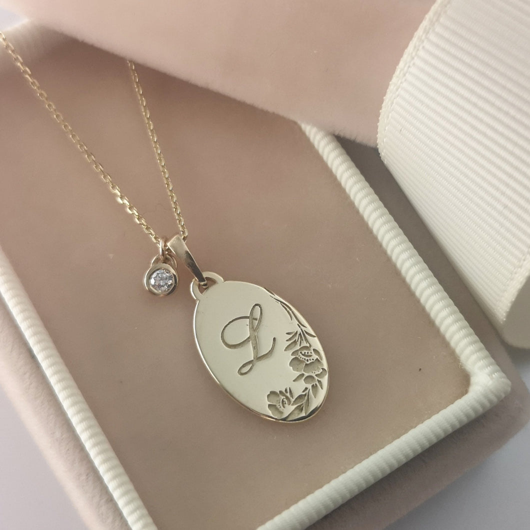 Monogram flower necklace, vintage style oval pendant, personalized pendant, birthstone charm necklace, personalized Valentine's day gift
