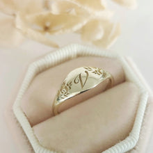 Monogram ring, Flower signet ring, Unique monogram ring, vintage style monogram signet, gold initial ring, personalized Valentine's day gift