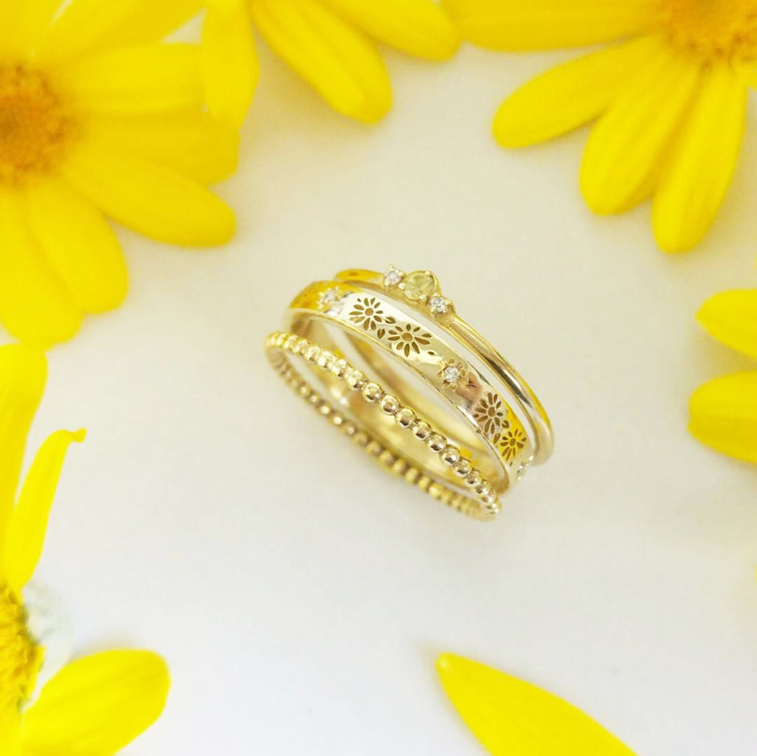 Daisy dainty stacking rings set