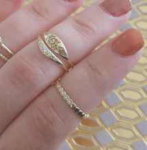 Delicate gold wedding band, circles wedding band, beaded wedding ring, gold wedding band for women Unique eternity ring, thin gold ring