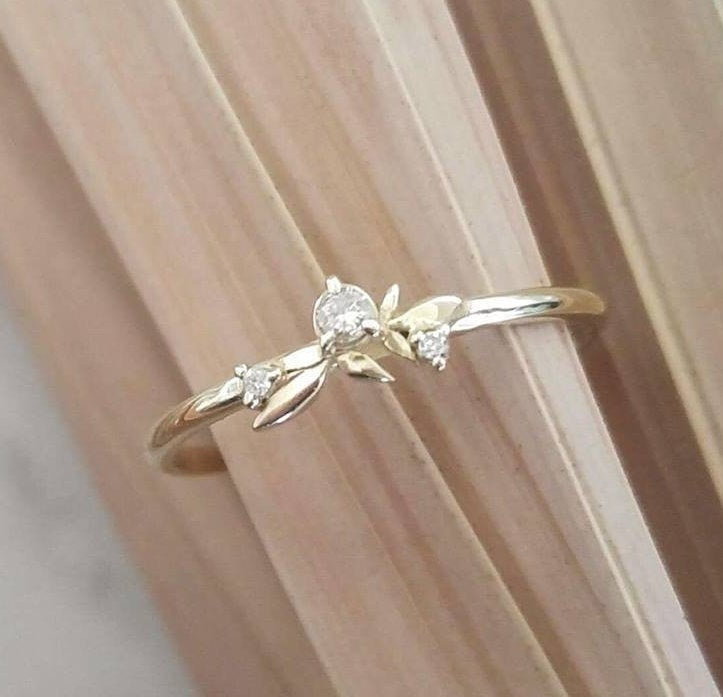 Gold leaf wedding ring, Dainty diamond ring,  thin gold stacking ring, delicate leaves wedding band , personalized Valentine's day gift