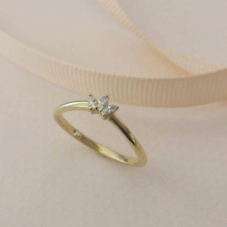 Dainty crown ring, marquise diamond ring , Delicate diamond wedding band for women, thin gold stacking ring