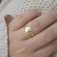 Gold leaf signet ring, Gold wedding band for women, Unique wedding ring, Gold signet ring, Leaves wedding ring, bespoke nature jewelry
