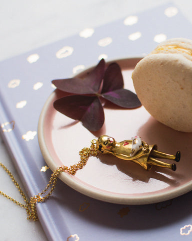 Gold plated bronze doll necklace: Birdy..Collier poupée Birdy en bronze plaqué or