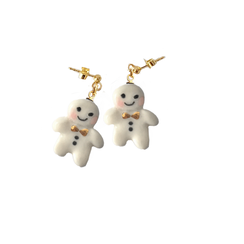 Miniature porcelaine gingerbread man earrings .. boucles d'oreilles mini bonhomme de pain d'épice en porcelaine
