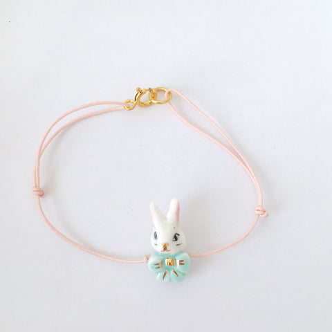 Porcelain miniature rabbit bracelet from Alice collection.. Bracelet Lapin miniature en porcelaine de la collection Alice