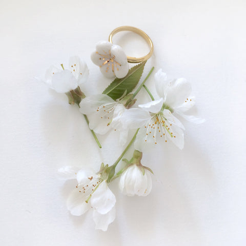 Sakura- porcelain adjustable ring  .. Sakura- bague ajustable en porcelaine