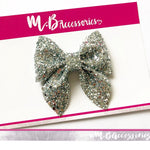 Silver glitter classic pinch bow