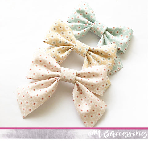 Classic bias floral print bow