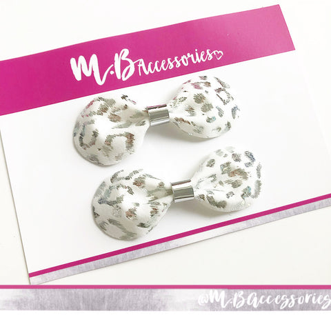 Snow leopard pinch bow - set of 2