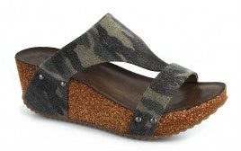 BOUTIQUE CORKY'S CAMO SANDALS