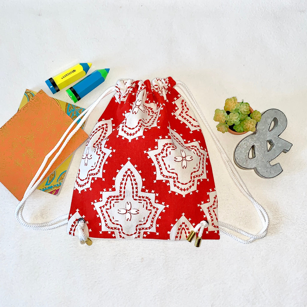 El & Mu; PETITE Drawstring Back Pack for Toddlers;  Red and White