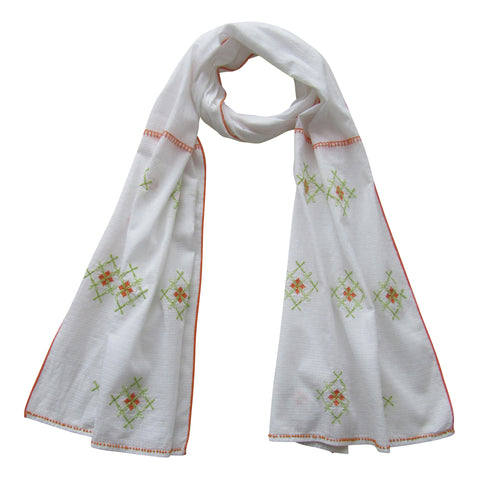 Embroidered Scarf : The Must-Have WHITE