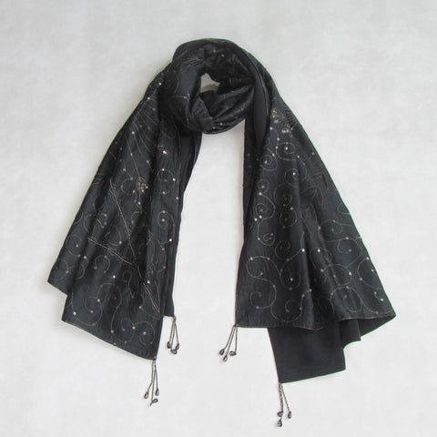 Vintage Embroidered Black Stole