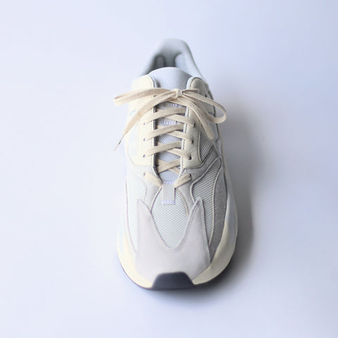 yeezy boost 700 analog shoe laces