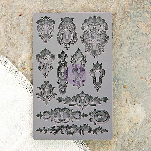 "Iron Orchid Designs Vintage Art Decor Mould 5""X8"", Keyholes"