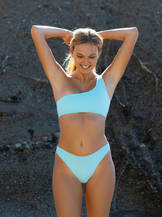 Isabel Top x Grace Seamless Mid Waist Bottom - Cloud Blue