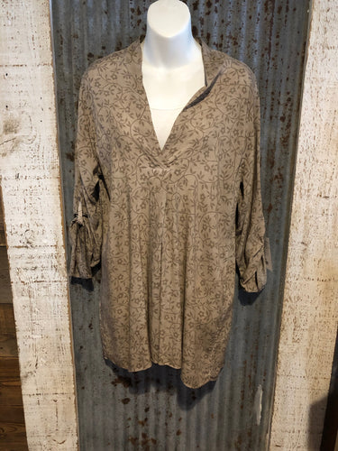 Ta Neck Printed Tunic Top