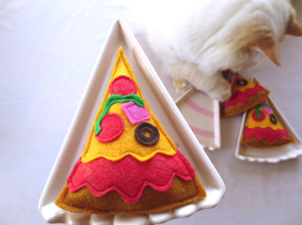 Organic Catnip Toy - PIZZA!