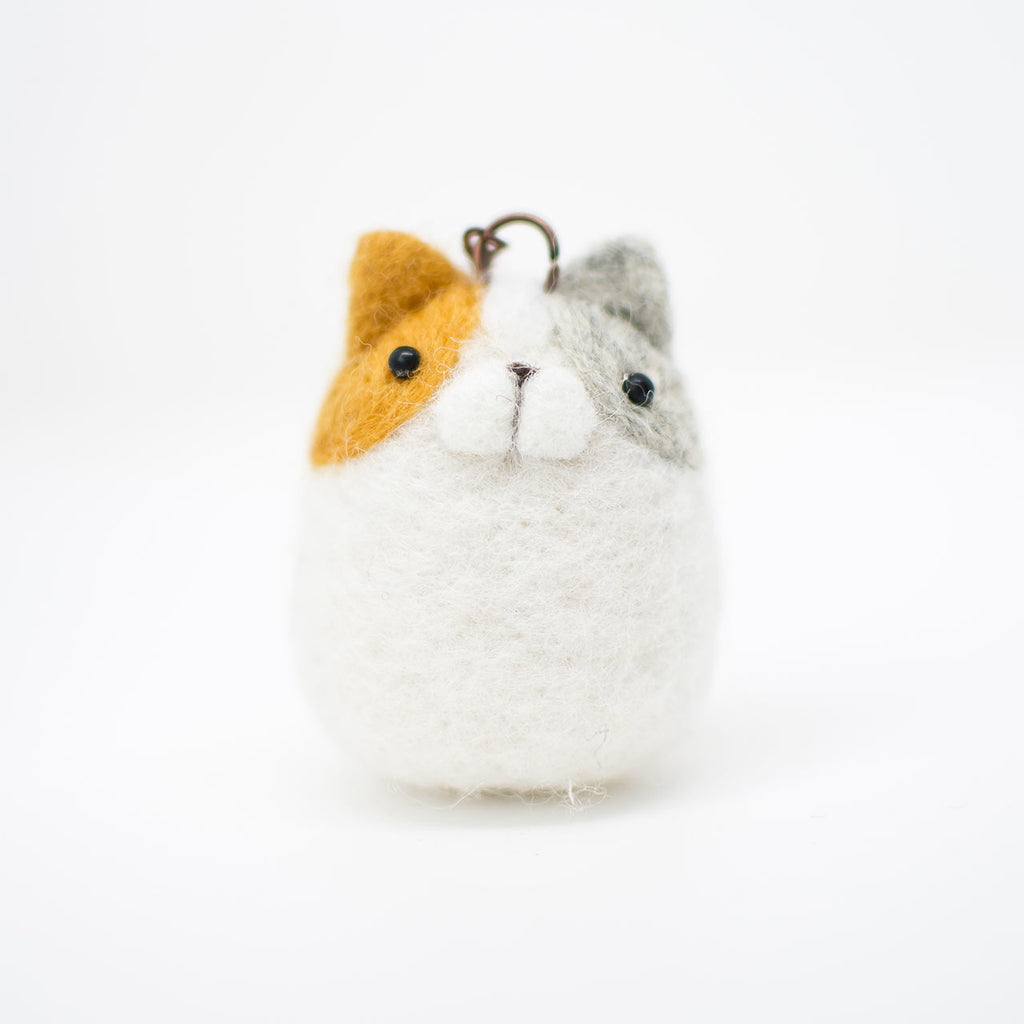 calico cat felted keychain