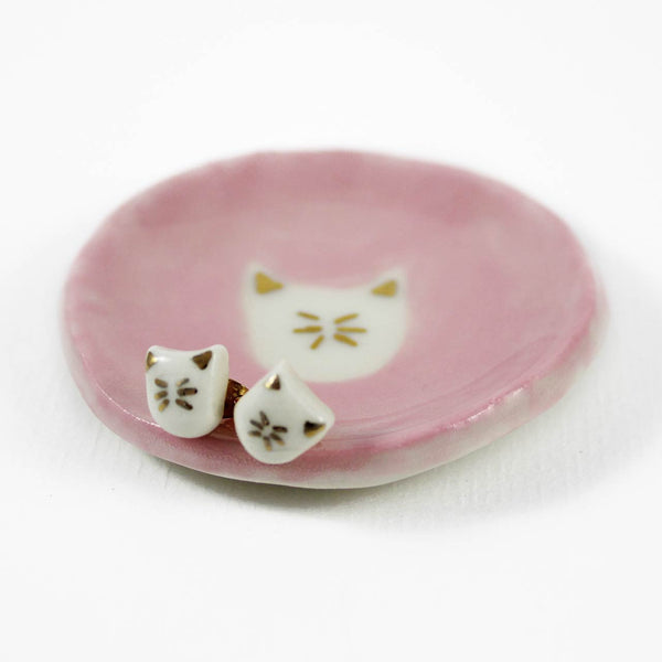 pink cat dish with earrings