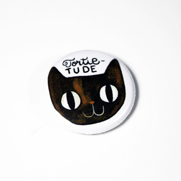 tortie cat button pin