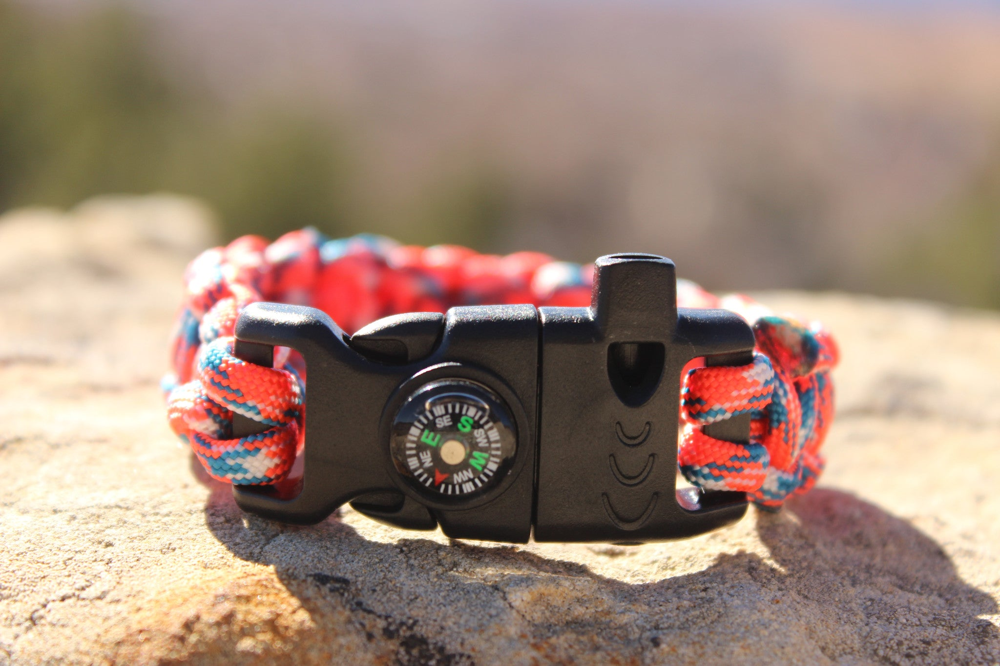 Paracord Survival Bracelet - Digital Bronco