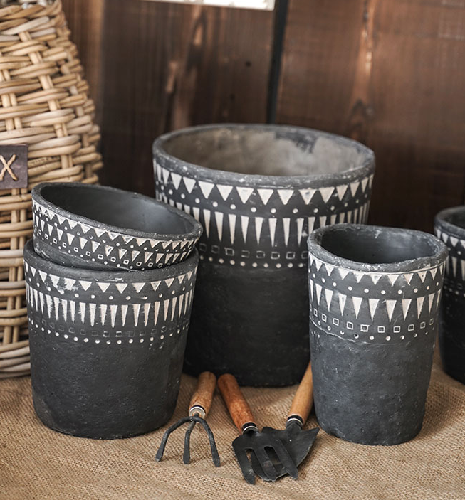 TERRA POTS CEMENT - AFRICAN ELEMENTS Cylindrical Pot (BLACK)