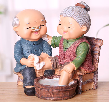 TERRA Old Couple (Washing Leg / 17x14x16cm)