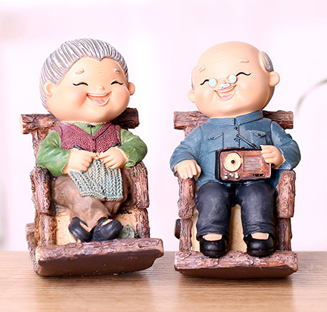 TERRA Old Couple (Rocking Chair / Coin Bank)