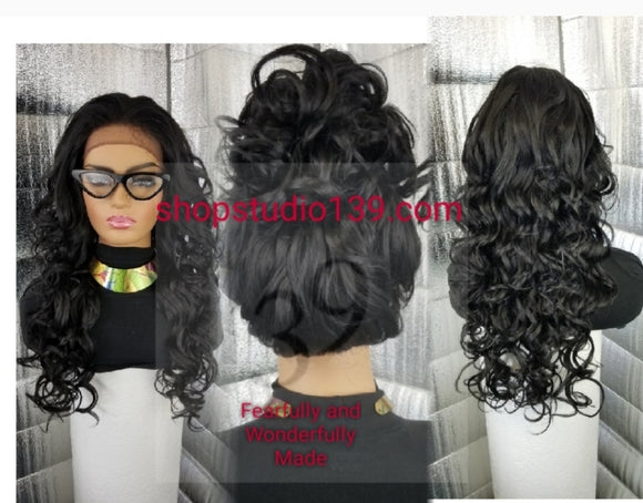 Sarai Freepart lace front wig