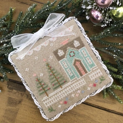 Glitter House 3 - Glitter Village ~ Country Cottage Needleworks