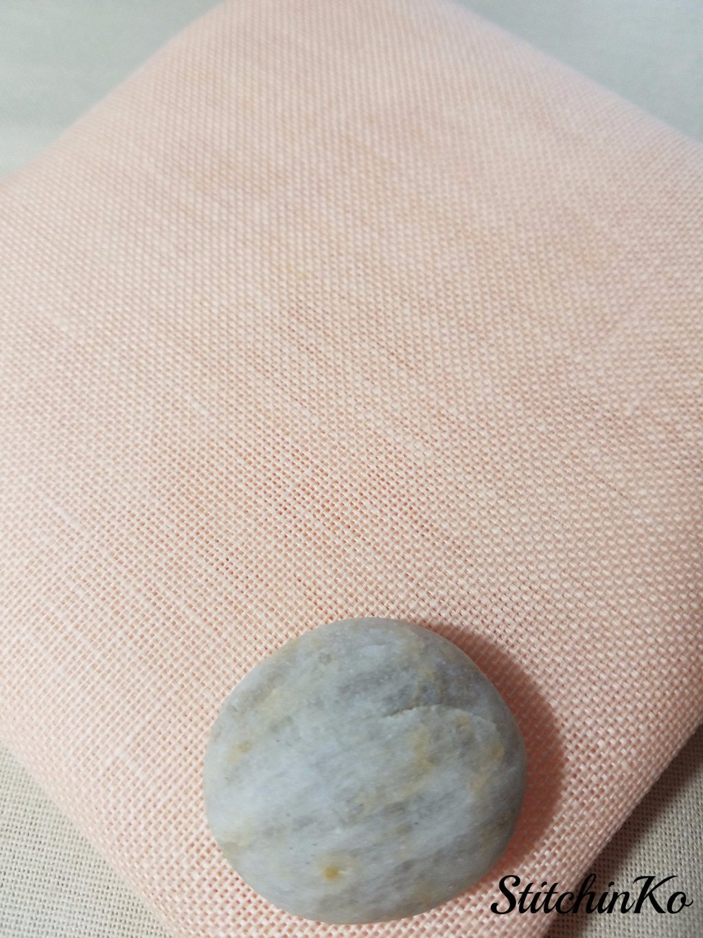 ~ 28ct Linen ~ Touch of  Peach ~ Permin