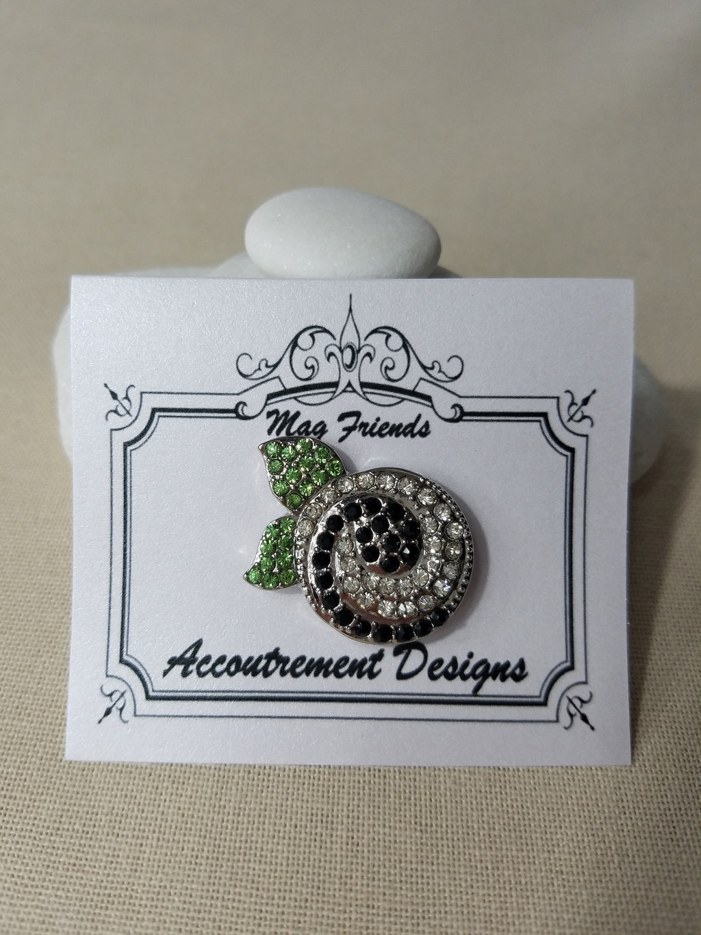 Glamorous ~ Snail ~ Accoutrement Magnet
