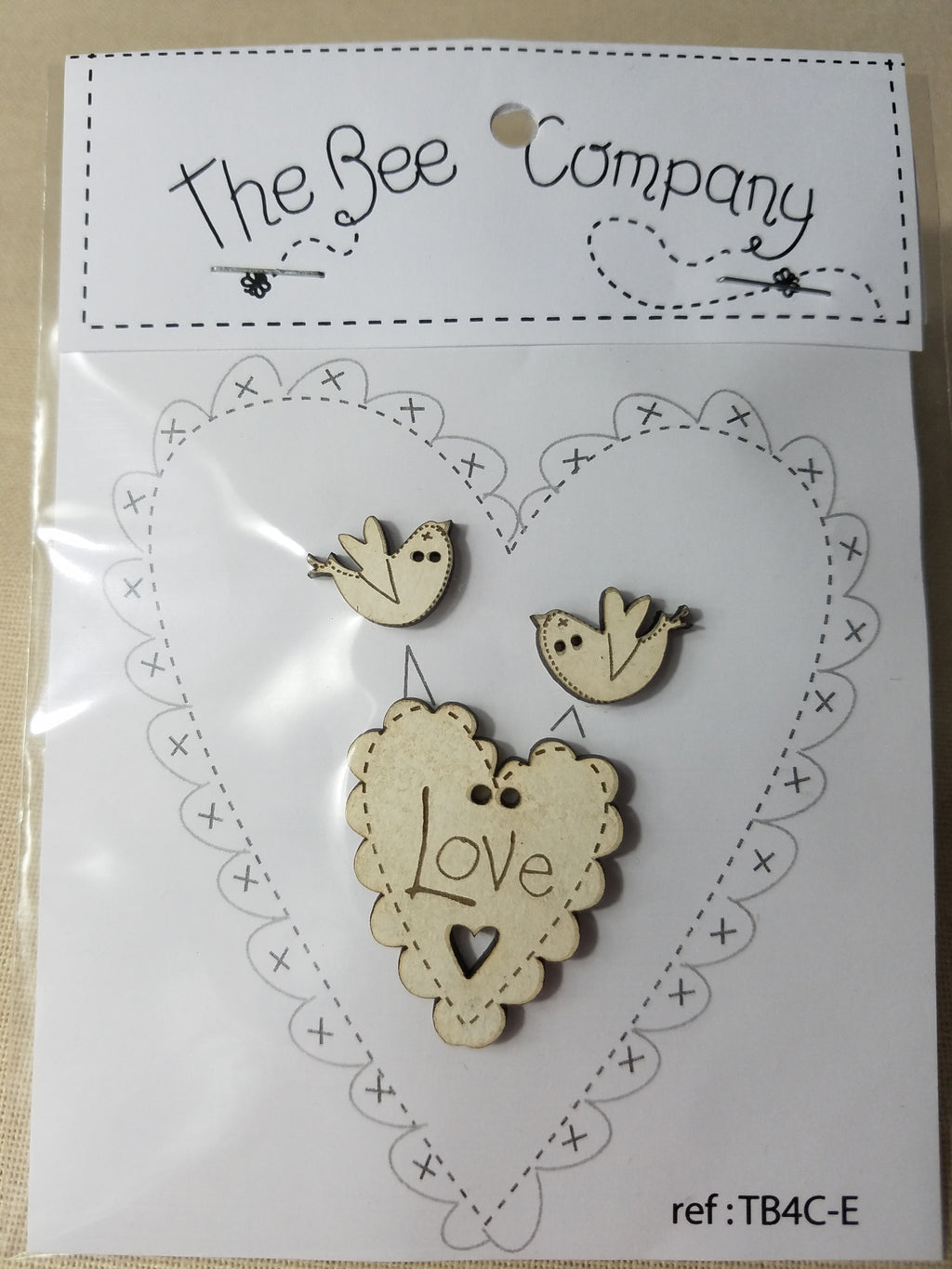 Love Heart & Bird Buttons Cream  ~ The Bee Company