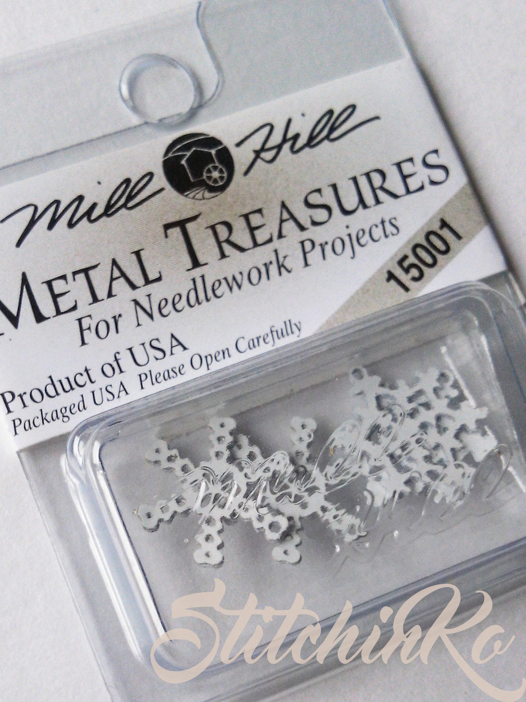 ~ 15001 ~ Snowflake Charms ~ Mill Hill