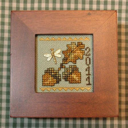 Tiny Treasures Acorn Box ~ Cross-Point Designs