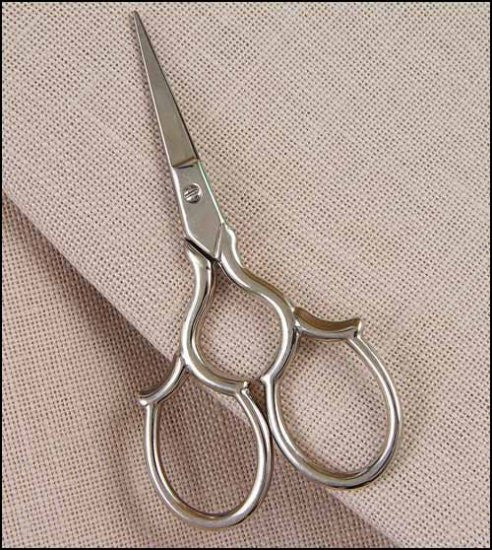 ~ TUDOR ~ EMBROIDERY SCISSORS IN SILVER