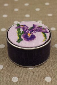 Sajou Cross Stitch Kit - Iris - Box to Embroider ~ Needlework Projects ~ SAJOU