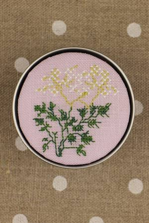 Sajou Cross Stitch Kit - Parsley - Box to Embroider ~ Needlework Projects ~ SAJOU